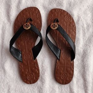 AUTHENTIC Tory Burch Thora Slippers